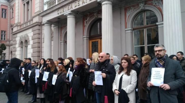 Protest fără precedent după ordonanța lui Toader. Tribunalul Cluj își suspendă activitatea