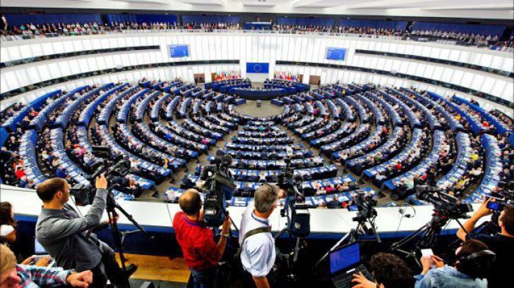 Oficialii UE au aflat din presă că sunt acuzați în România
