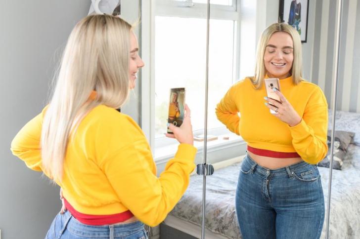 Câștigă peste 3000 de euro pe lună din selfie-urile de pe rețelele de socializare
