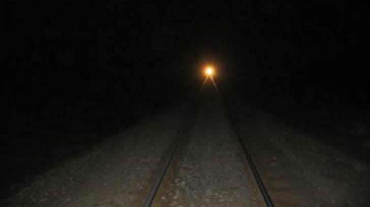 Traficul feroviar, afectat în Capitală. Un bărbat s-a aruncat în fața trenului