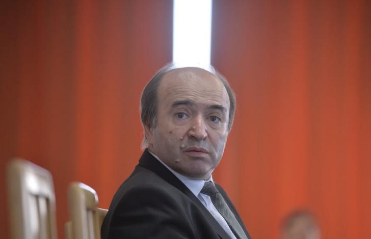 Judecătorii ies la atac: ordonanţa lui Toader, act intempestiv, un enorm pas înapoi