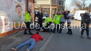 Scandal monstru în urma unui accident rutier produs în Constanța. Mai multe persoane, încătuşate