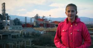Elevă din Reșița, mesaj pentru politicieni: Corupţia mă sufocă, îmi furați viitorul!