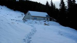 Intervenţie a unui elicopter SMURD în munți pentru salvarea unui turist francez