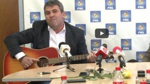 Primarul cu chitara