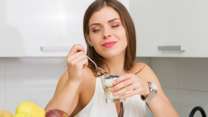 Dieta cu iaurt şi ţărâţe de ovăz. Scapi rapid de 5 kg, fără să faci foamea