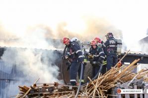 Incendiu violent, în Balotești, la un depozit de materiale de construcții / Foto: Facebook ISU Bucuresti-Ilfov