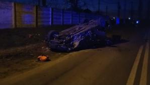 Cascadorie în Caracal. Un șofer băut s-a răsturnat cu mașina, încercând să fugă de poliție