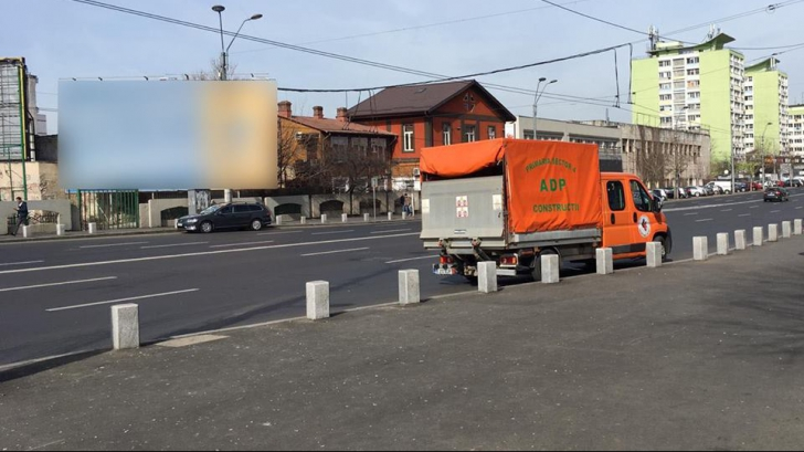 Angajații primăriei sector 4 montează corturi electorale PSD, acuză USR