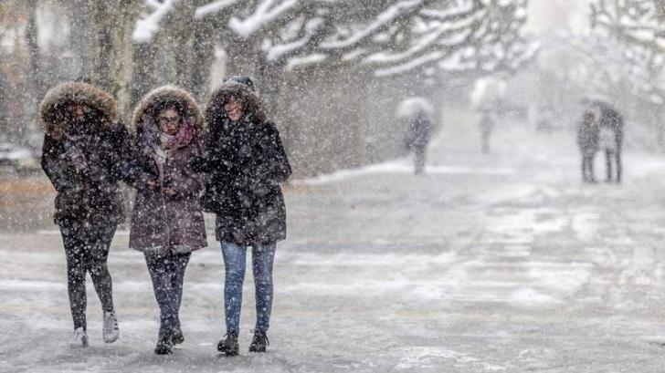 Atentionare meteo de ninsori