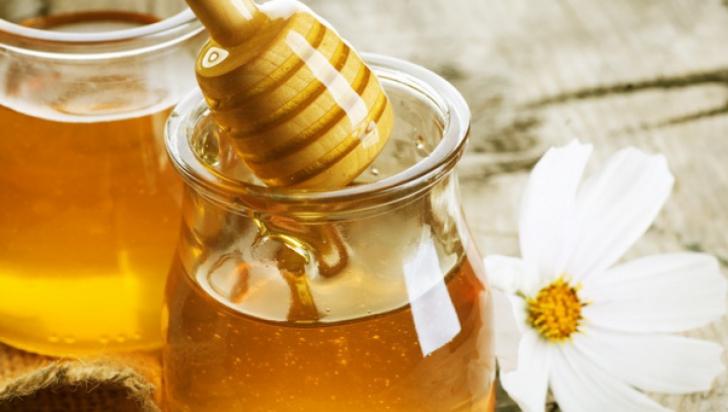 """Nutriționist: """"Mierea nu face bine tuturor"""". Cine ar trebui să o evite"""