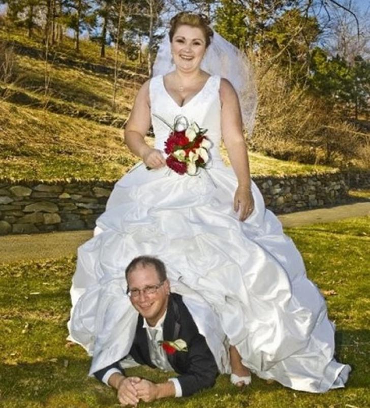 Cele mai nebune fotografii de la nunţi. Imaginile pe care mirii au vrut să le ardă!