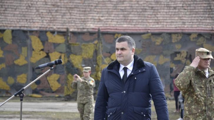 Ministrul Apărării i-a scris preşedintelui despre şeful Marelui Stat Major, dar n-a primit răspuns