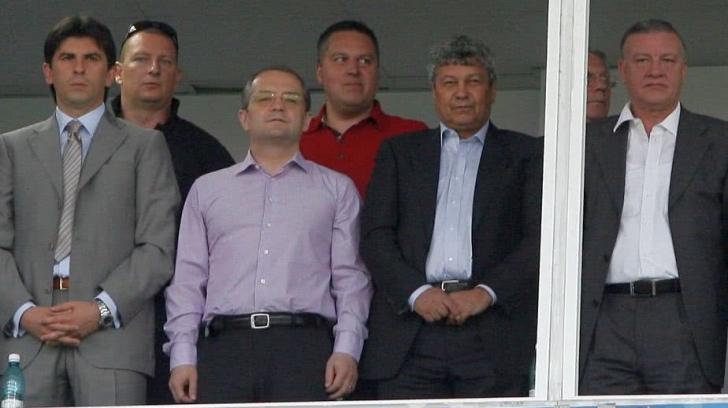 """""""Iohannis să-i facă statuie!"""" Propunerea care a uimit pe toată lumea"""