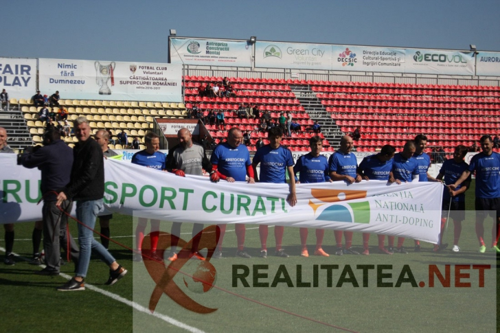 Adrian Ilie a făcut spectacol la meciul de old boys Dinamo - Steaua 3-3, jucat la Voluntari