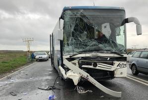 Accident cumplit, în Constanţa. Autocar cu pasageri, spulberat de un bolid de lux: 4 victime