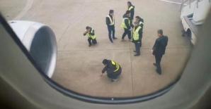 HAOS pe aeroport, după ce două femei au aruncat monede în motor. Motivul a șocat și mai rău!