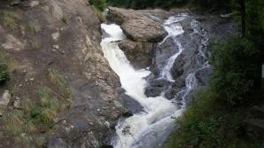 Vrancea: Bărbat căzut în Cascada Putnei, găsit decedat de salvatori