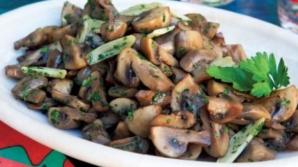Aşa faci cele mai bune ciuperci cu usturoi. Ingredientul secret care dă tot gustul