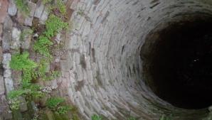 S-a sinucis înainte de Paşte: O femeie s-a aruncat într-o fântână