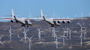 Cel mai mare avion din lume a făcut primul său zbor