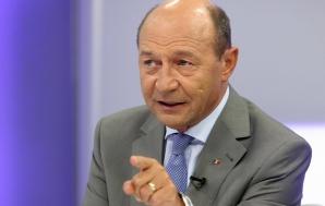 Băsescu, mesaj de la Chișinău: Este un MĂCEL în viața politică din România