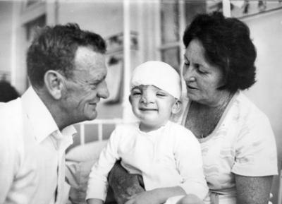 """Ce s-a ales de bebelușul care a fost abandonat la naștere pentru că """"era prea urât"""""""