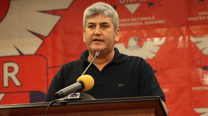 Preşedintele UNPR Gabriel Oprea, Ilie Năstase şi Anghel Iordănescu, şedinţe de lucru în Banat