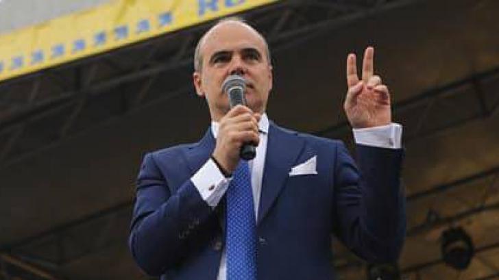 <p>Rareș Bogdan</p>