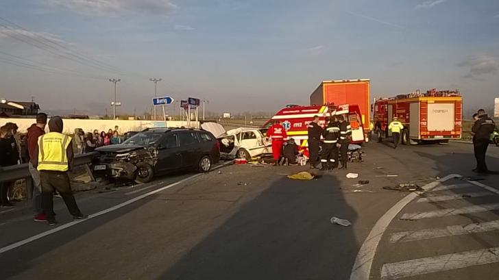 Accident grav la Avrig, un mort şi doi răniţi (GALERIE FOTO)