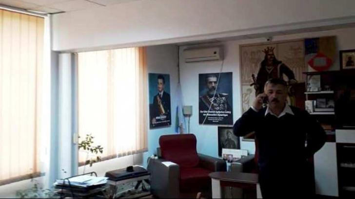 Primarul PNL care avea un tablou cu Ceausescu, exclus din partid. A batut un politist local