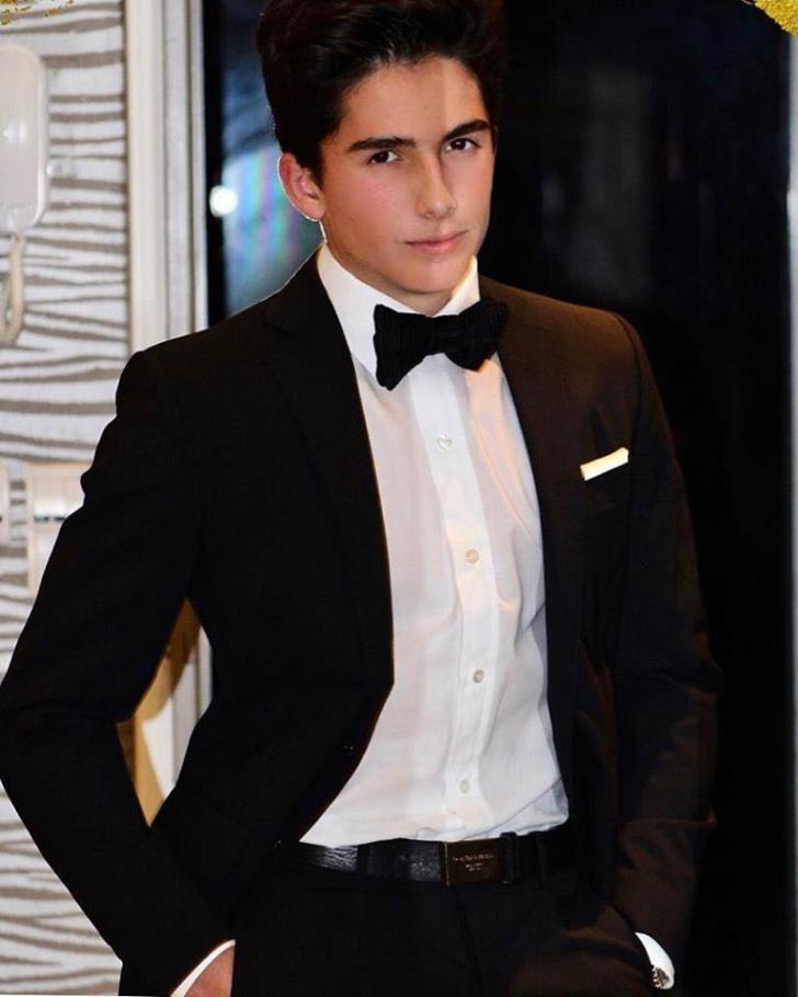 Cum arată acum Ayan, băiatul Mihaelei Rădulescu. Pariu, că nici nu-l recunoști?