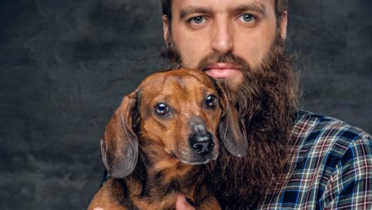 Bărbații cu barbă ar putea fi mai plini de bacterii decât blana unui câine