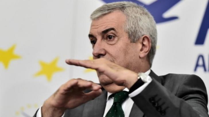 """Tăriceanu, huiduit, la Iași, la lansarea candidaților ALDE la europarlamentare: """"Trădătorule!"""""""
