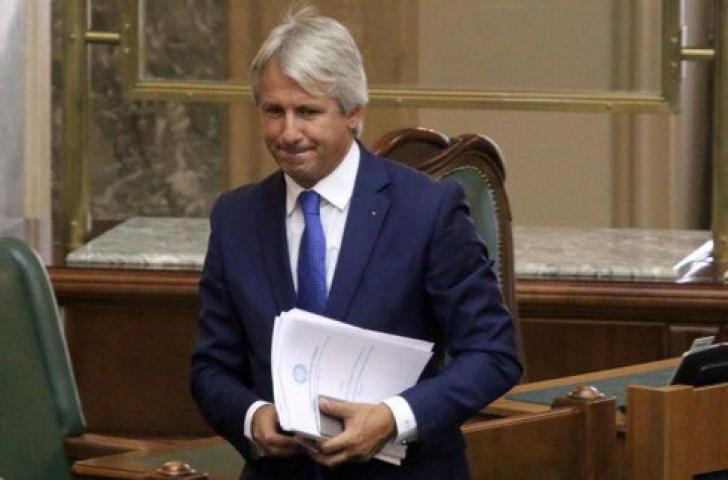 FMI îi dă o veste proastă lui Teodorovici, viitorul nu arată bine