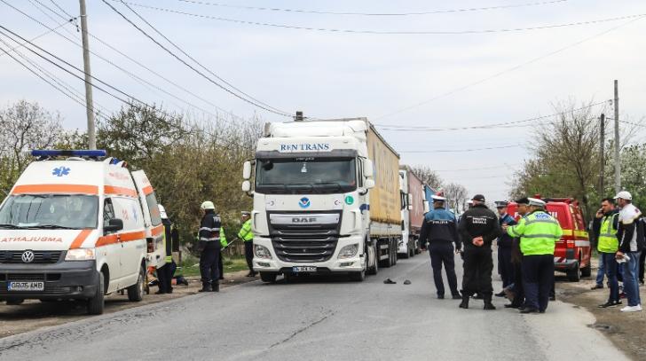 Accident dramatic în Giurgiu: Femeie strivită de un TIR