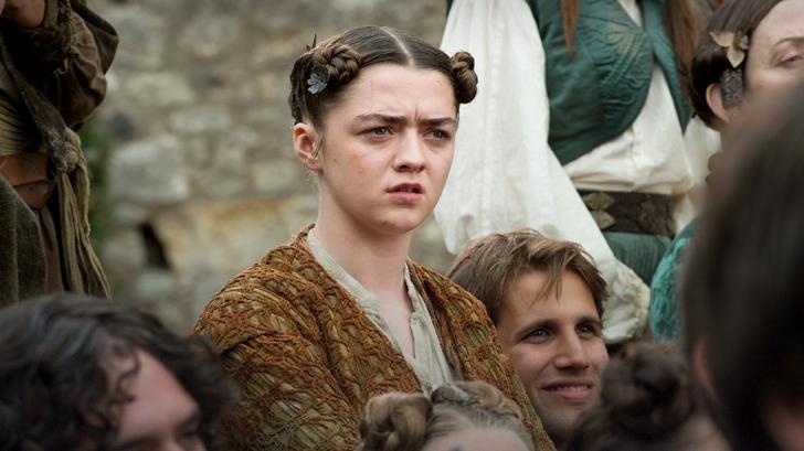 """Scena """"fierbinte"""" in """"Game of Thrones"""", cu o fata care la inceputul serialului avea 11 ani"""