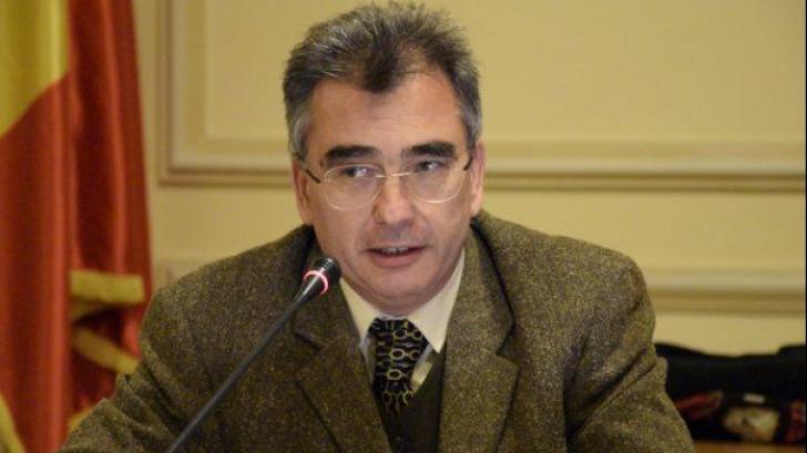 Petrisor Peiu: Romania lui Mos Teaca, bit cu bit