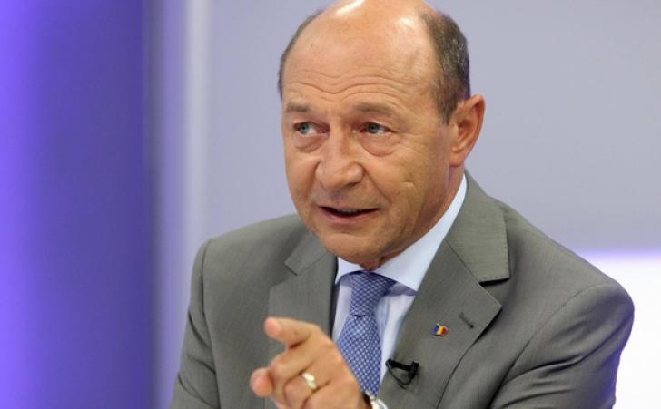 Băsescu: Dăncilă va face remaniere la buna înţelegere cu Iohannis. Lovitura de graţie pentru Dragnea