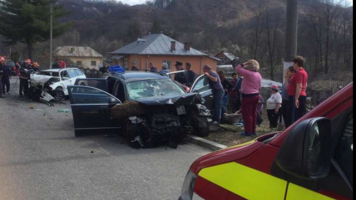 Accident rutier grav. Șapte victime, două persoane au decedat