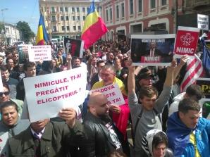 Miting PSD, la Iași. Jandarmii, prezență sporită: mii de oameni au înconjurat Piața Unirii - LIVE