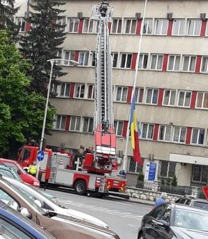 UNPR cere autorităților să repună urgent drapelul național în curtea IJP Harghita