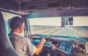 Viceprimar PSD, despre șoferii de TIR: Iau 2.000 de euro că stau și învârt de un volan