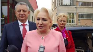 Dăncilă, primită cu huiduieli, la Cluj. Protestatarii au fugit după ea, jandarmii au intervenit