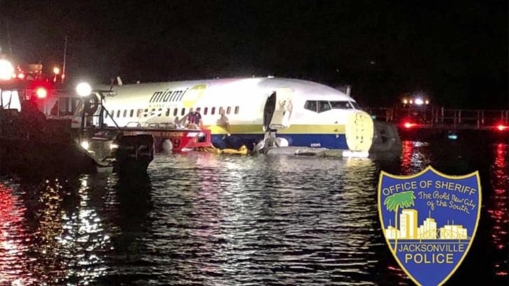 La un pas de catastrofa. Un avion cu 143 de oameni la bord a ajuns intr-un rau