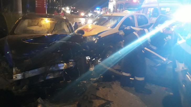 Accident grav în Mediaș: Trei maşini s-au ciocnit. O persoană a murit