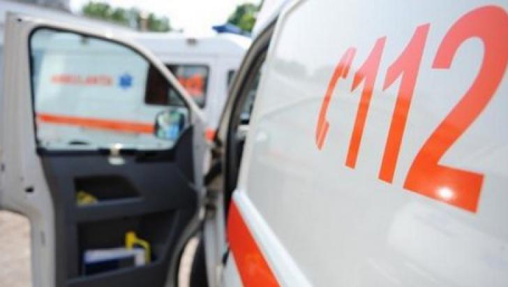 Trei fetițe din Bistriţa, la un spital din Cluj după ce au fost spălate pe cap cu o soluţie chimică