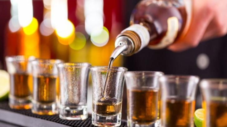 Ai consumat alcool şi te simţi ciudat? Ai mare grijă - este extrem de grav! Poţi ajunge la urgenţă