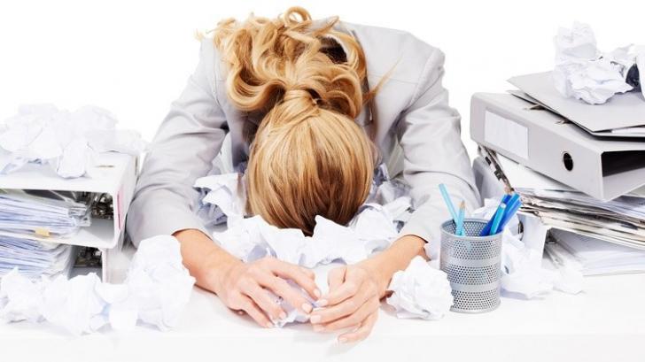 Boala care omoară tot mai mulţi angajaţi: BURNOUT