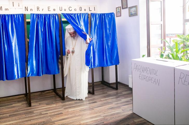 FOTO A votat și Patriarhul Daniel